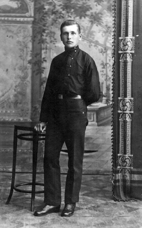 Michaś_Zabejda-Sumicki._Міхась_Забэйда-Суміцкі_(1915).jpg