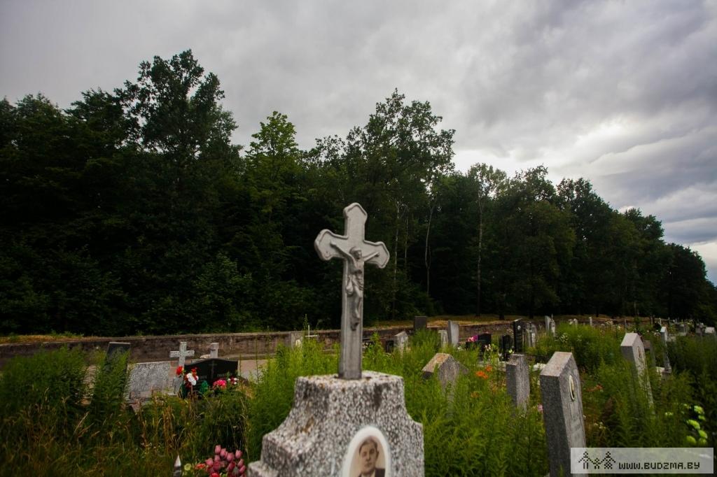 Савецкія могілкі і лясок на месцы ўрочышча ''Сакрэт''