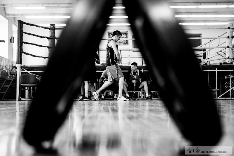 http://budzma.by/wp-content/gallery/hurkou/tarantino-by-2014-fighting-gen-gurkov-2619.jpg