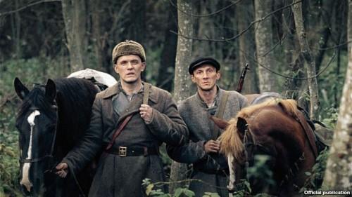 """Кадр з фільму """"У тумане"""", зьнятага па повесьці Васіля Быкава"""