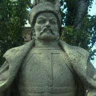 stefan-batoryiy-u-budapeshtse-768x466