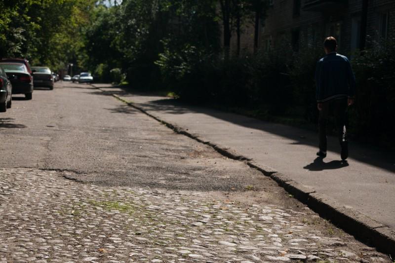 Брукаваны пас на вуліцы Міра ў занёманскай частцы горада