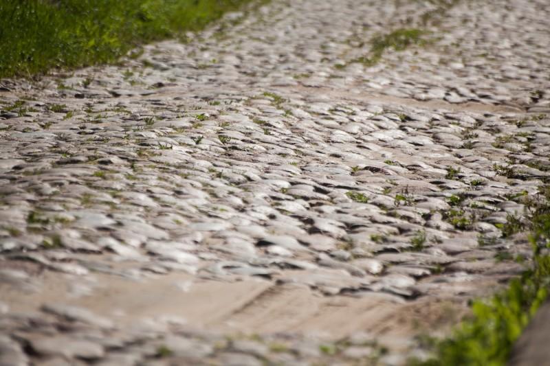 4. Адрэзак Падольнай вуліцы за Каталіцкімі могілкамі дагэтуль выкладзены камянямі (3)