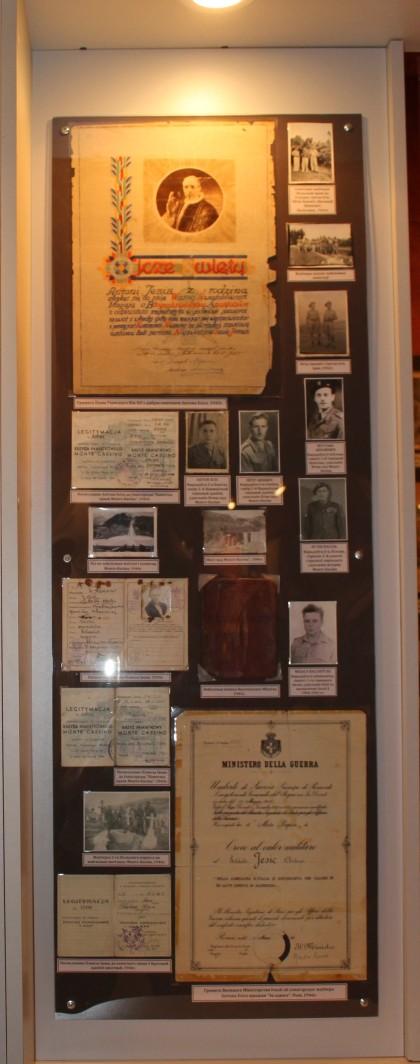 Фрагмент экспазіцыі Музея гісторыі Клеччыны, прысвечаны арміі Андэрса