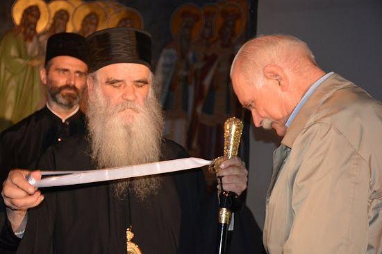 Міхалкоў атрымлівае ўзнагароду ад Сербскай праваслаўнай царквы