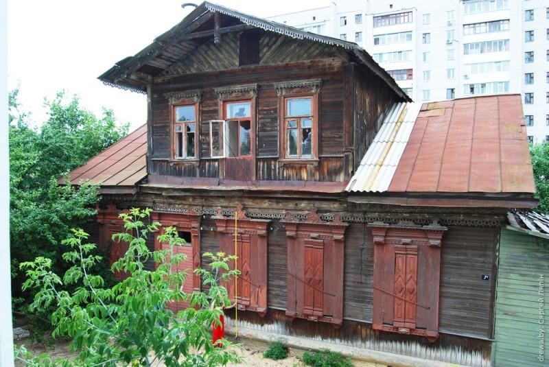 Дарэвалюцыйны дом з мезанінам на вул. Парыжскай Камуны ў Гомелі згарэў, пасля таго, як прастаяў некалькі год адселеным